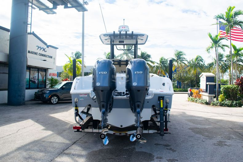 Thumbnail 6 for Used 2017 Sea Hunt Gamefish 25 Center Console boat for sale in Fort Lauderdale, FL