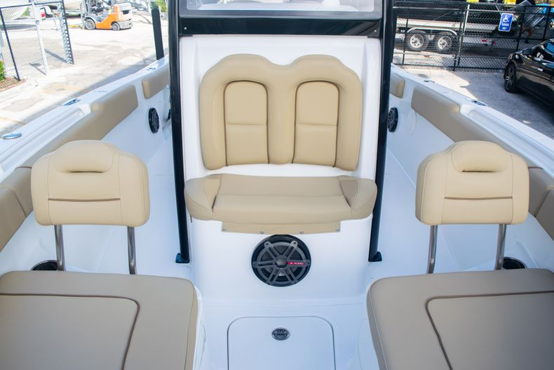 Thumbnail 44 for Used 2017 Sea Hunt Gamefish 25 Center Console boat for sale in Fort Lauderdale, FL