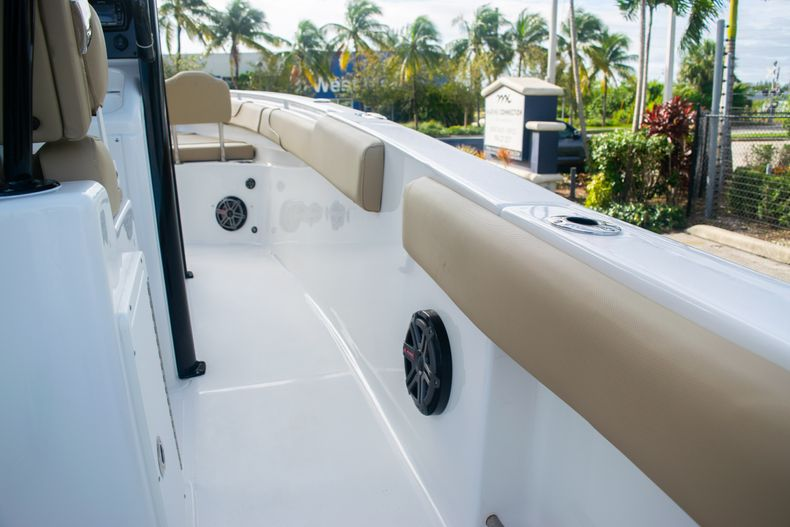 Thumbnail 15 for Used 2017 Sea Hunt Gamefish 25 Center Console boat for sale in Fort Lauderdale, FL