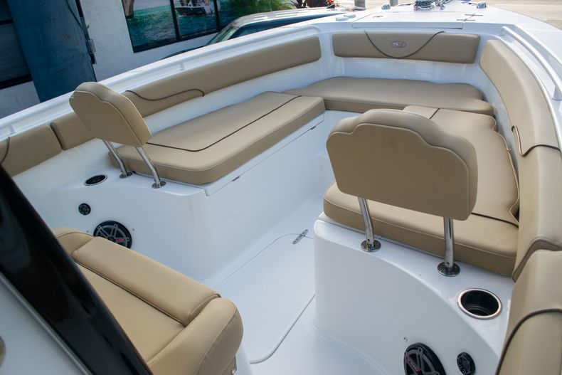 Thumbnail 37 for Used 2017 Sea Hunt Gamefish 25 Center Console boat for sale in Fort Lauderdale, FL