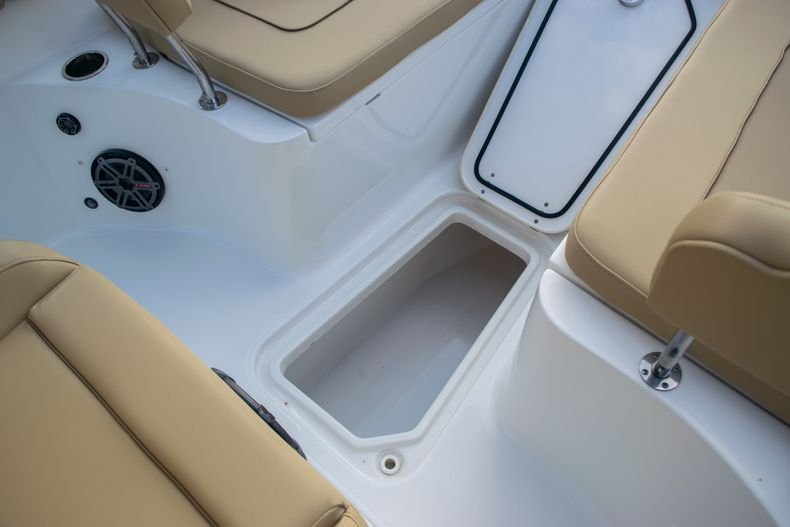 Thumbnail 38 for Used 2017 Sea Hunt Gamefish 25 Center Console boat for sale in Fort Lauderdale, FL