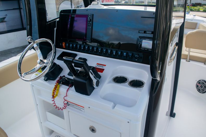 Thumbnail 25 for Used 2017 Sea Hunt Gamefish 25 Center Console boat for sale in Fort Lauderdale, FL