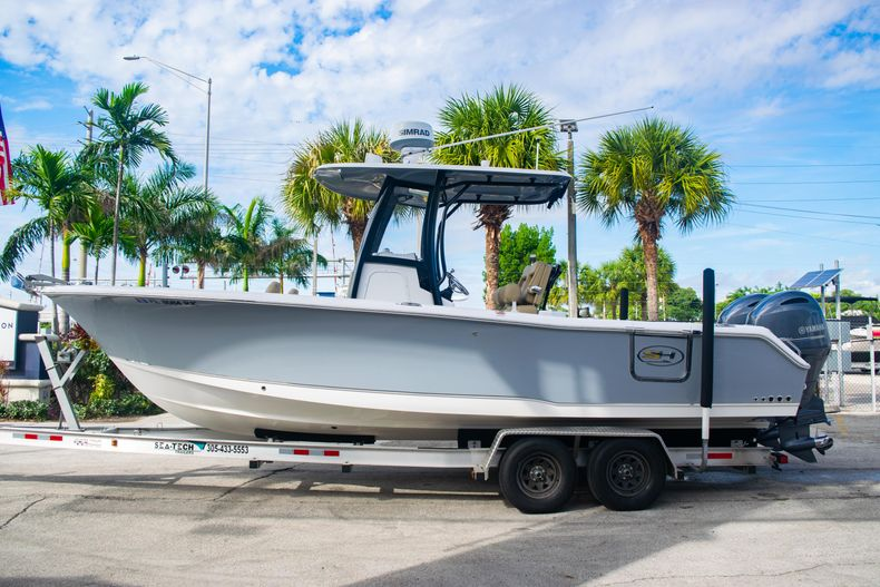 Thumbnail 4 for Used 2017 Sea Hunt Gamefish 25 Center Console boat for sale in Fort Lauderdale, FL