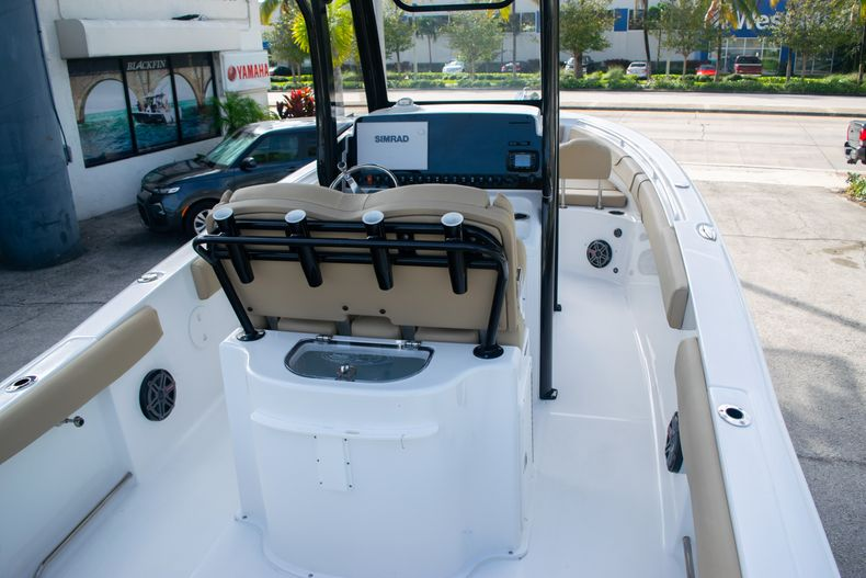 Thumbnail 8 for Used 2017 Sea Hunt Gamefish 25 Center Console boat for sale in Fort Lauderdale, FL