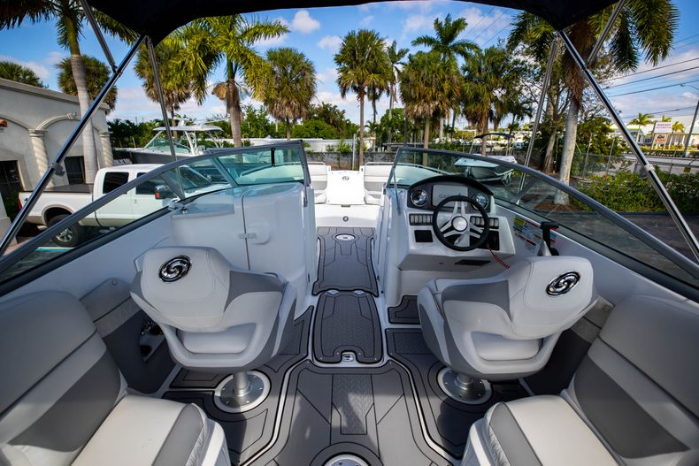 Thumbnail 8 for New 2021 Hurricane SunDeck SD 2486 OB boat for sale in Vero Beach, FL