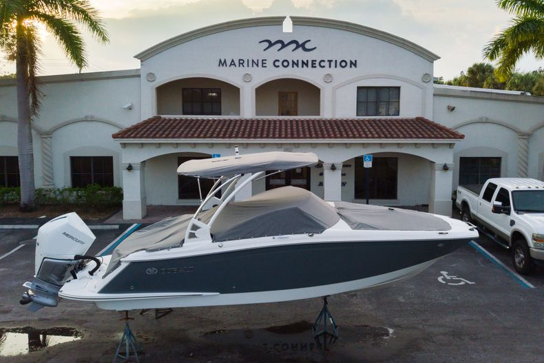 Thumbnail 1 for Used 2021 Cobalt 25SC boat for sale in West Palm Beach, FL