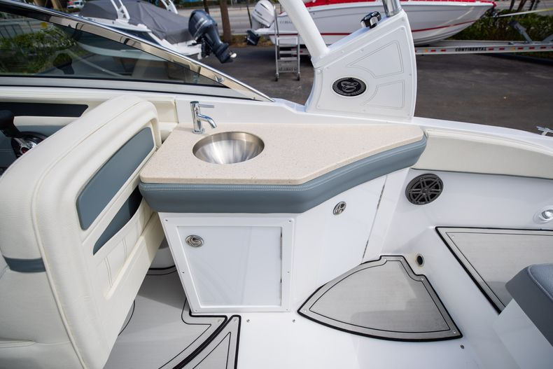 Thumbnail 26 for Used 2021 Cobalt 25SC boat for sale in West Palm Beach, FL