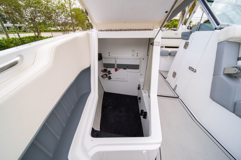 Thumbnail 57 for Used 2021 Cobalt 25SC boat for sale in West Palm Beach, FL