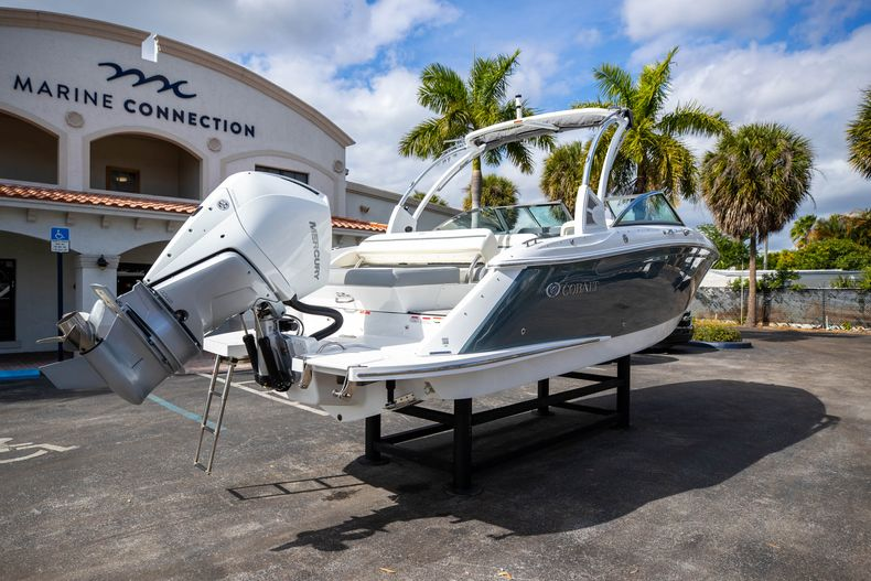 Thumbnail 17 for Used 2021 Cobalt 25SC boat for sale in West Palm Beach, FL