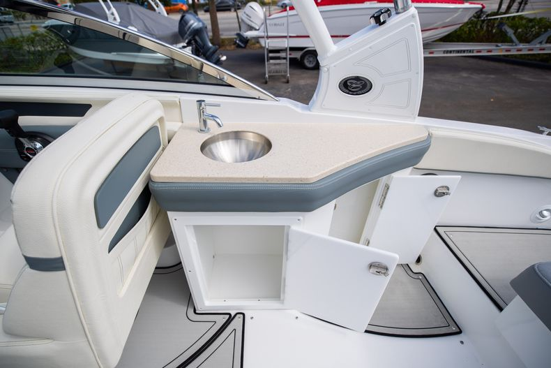 Thumbnail 27 for Used 2021 Cobalt 25SC boat for sale in West Palm Beach, FL