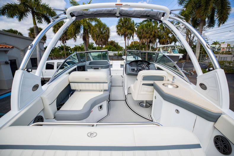 Thumbnail 23 for Used 2021 Cobalt 25SC boat for sale in West Palm Beach, FL