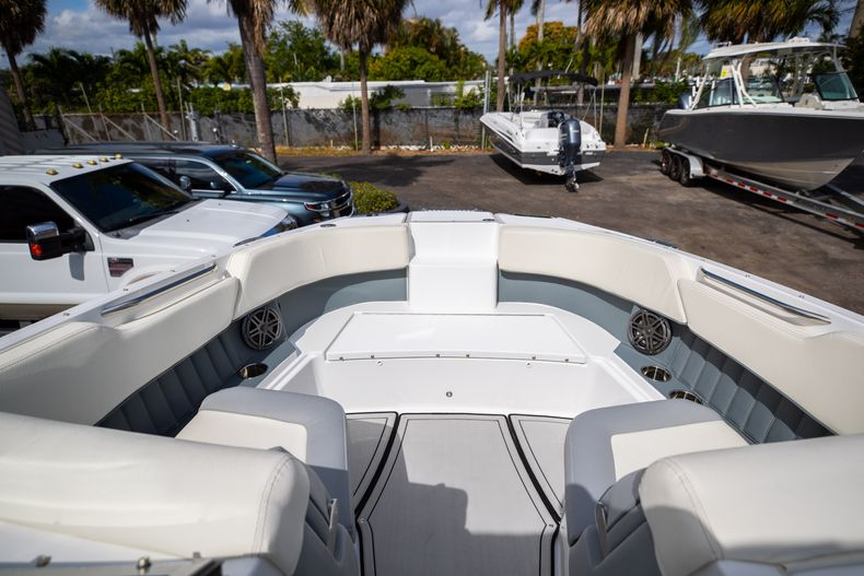 Thumbnail 53 for Used 2021 Cobalt 25SC boat for sale in West Palm Beach, FL