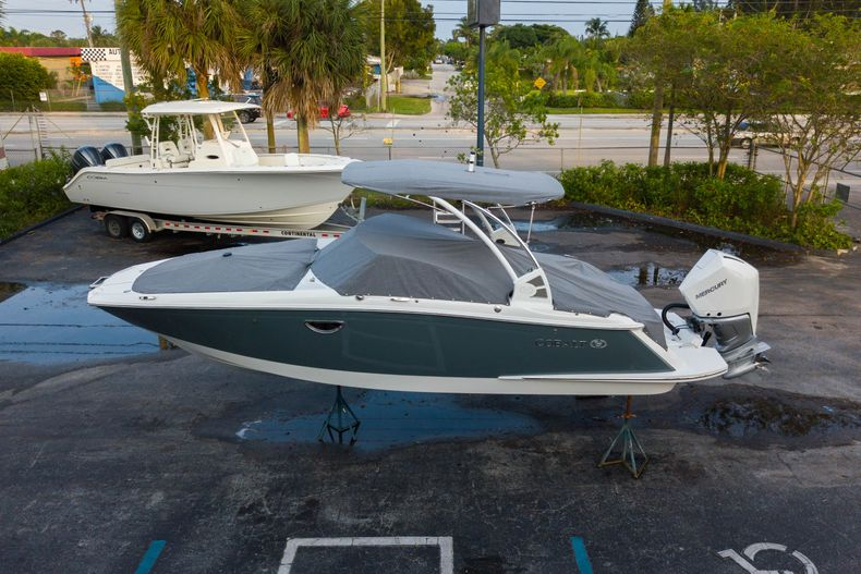 Thumbnail 11 for Used 2021 Cobalt 25SC boat for sale in West Palm Beach, FL