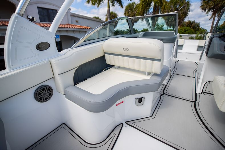 Thumbnail 30 for Used 2021 Cobalt 25SC boat for sale in West Palm Beach, FL