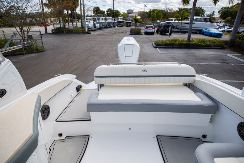 Thumbnail 25 for Used 2021 Cobalt 25SC boat for sale in West Palm Beach, FL