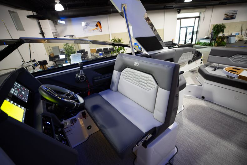 Thumbnail 40 for New 2021 Cobalt A29 boat for sale in West Palm Beach, FL