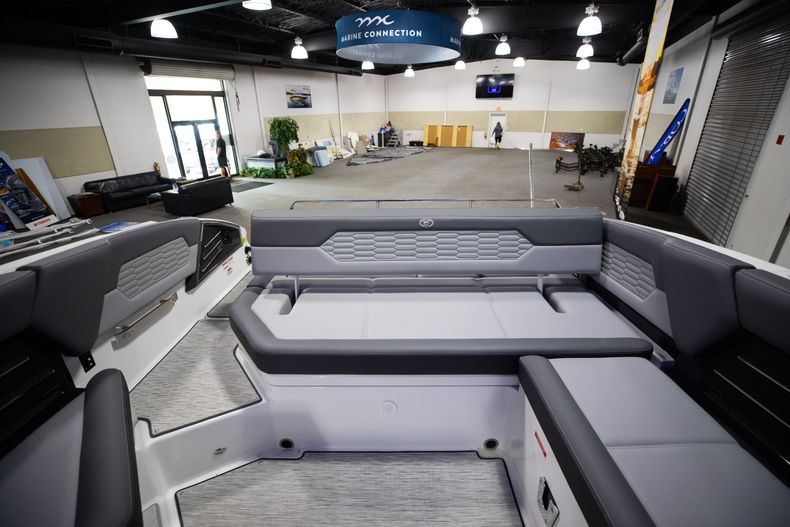 Thumbnail 24 for New 2021 Cobalt A29 boat for sale in West Palm Beach, FL