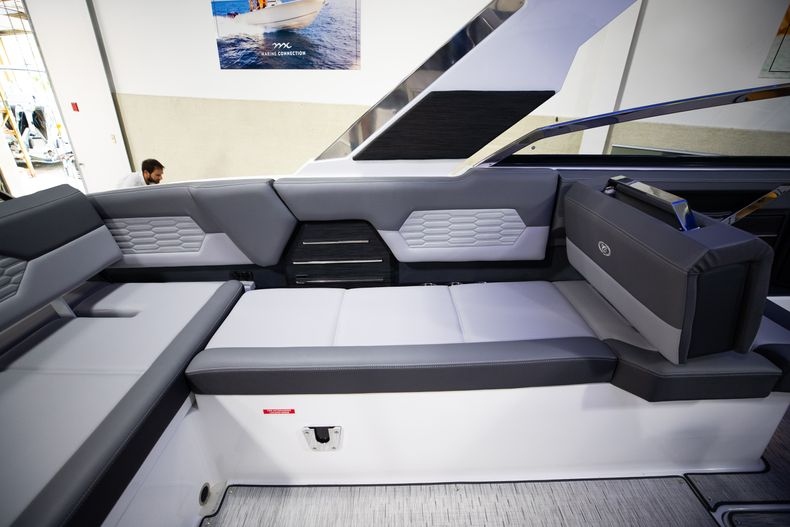 Thumbnail 20 for New 2021 Cobalt A29 boat for sale in West Palm Beach, FL