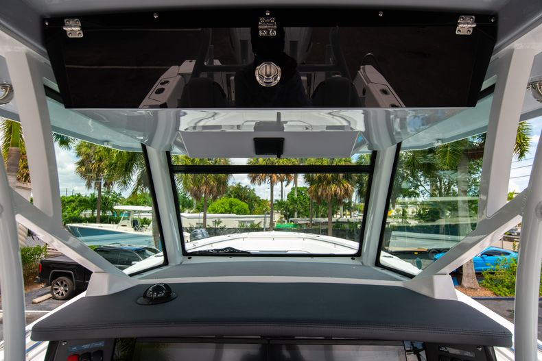 Thumbnail 40 for New 2021 Blackfin 332CC boat for sale in Fort Lauderdale, FL