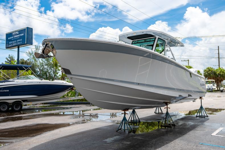 Thumbnail 4 for New 2021 Blackfin 332CC boat for sale in Fort Lauderdale, FL