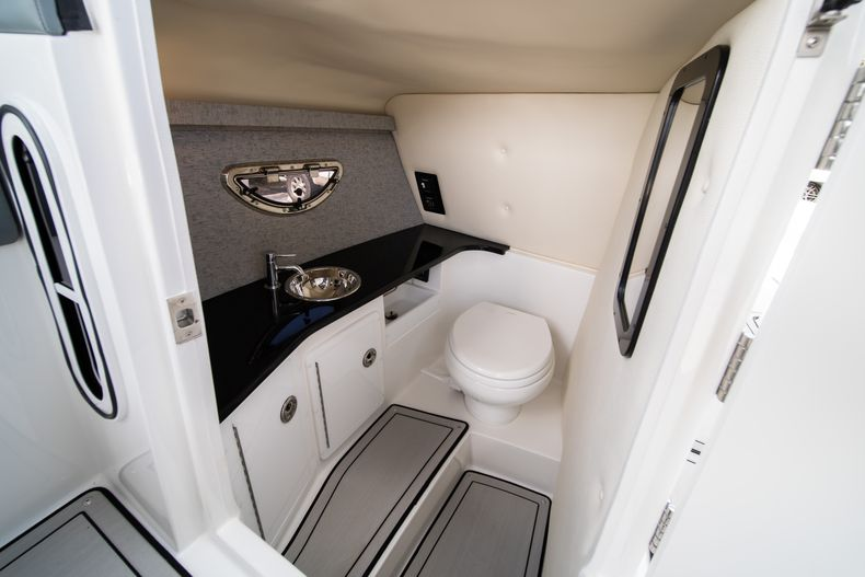 Thumbnail 41 for New 2021 Cobalt 30SC boat for sale in West Palm Beach, FL