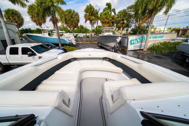 Thumbnail 51 for New 2021 Cobalt 30SC boat for sale in West Palm Beach, FL