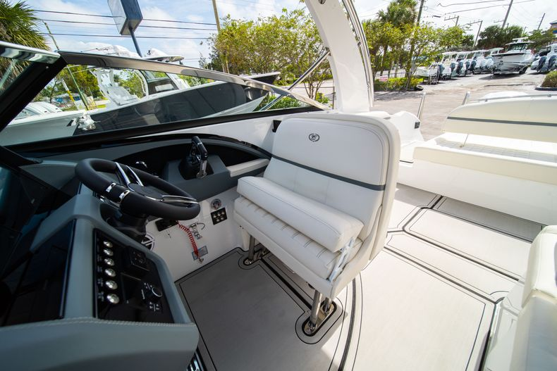 Thumbnail 38 for New 2021 Cobalt 30SC boat for sale in West Palm Beach, FL