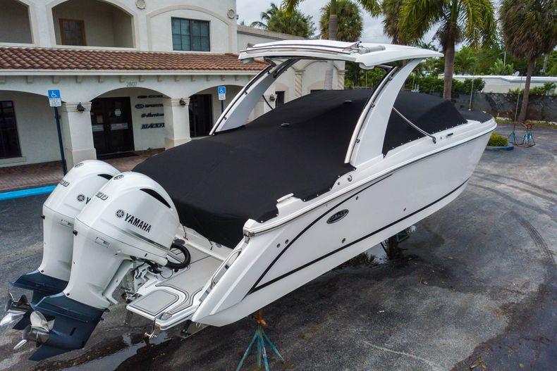 Thumbnail 16 for New 2021 Cobalt 30SC boat for sale in Vero Beach, FL