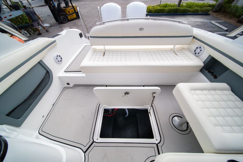 Thumbnail 29 for New 2021 Cobalt 30SC boat for sale in Vero Beach, FL