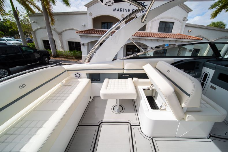 Thumbnail 27 for New 2021 Cobalt 30SC boat for sale in Vero Beach, FL