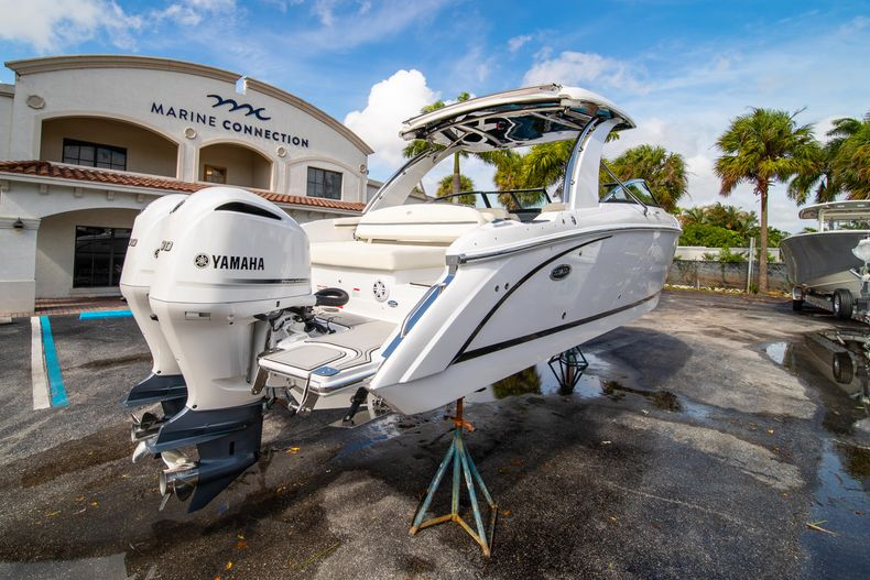 Thumbnail 15 for New 2021 Cobalt 30SC boat for sale in West Palm Beach, FL
