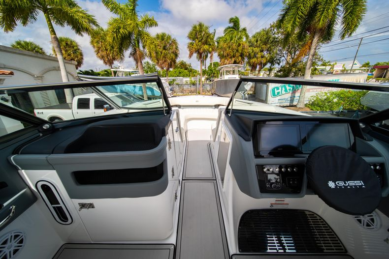 Thumbnail 45 for New 2021 Cobalt 30SC boat for sale in West Palm Beach, FL