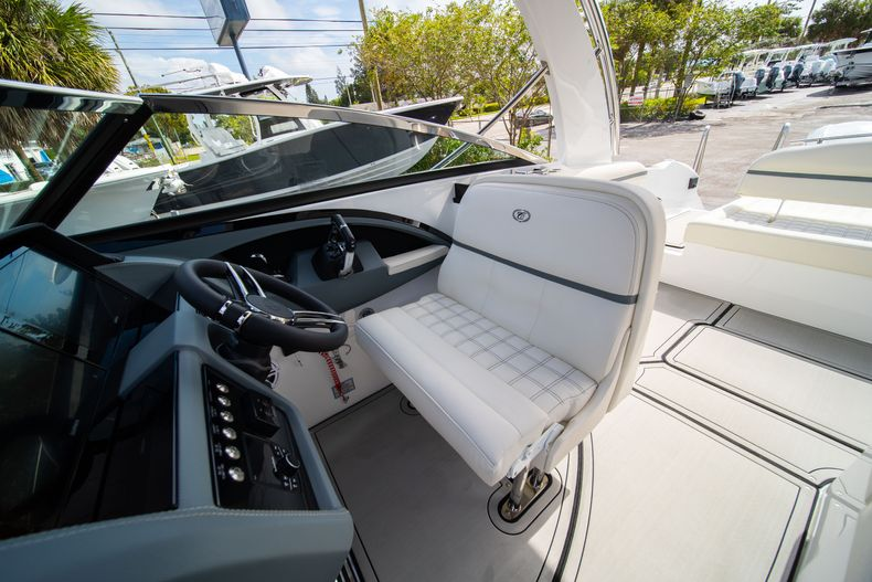 Thumbnail 39 for New 2021 Cobalt 30SC boat for sale in West Palm Beach, FL