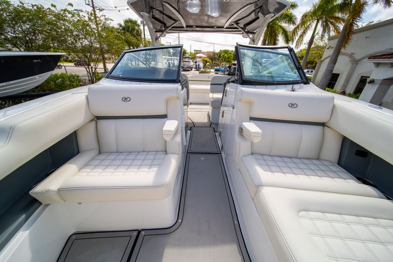 Thumbnail 55 for New 2021 Cobalt 30SC boat for sale in West Palm Beach, FL
