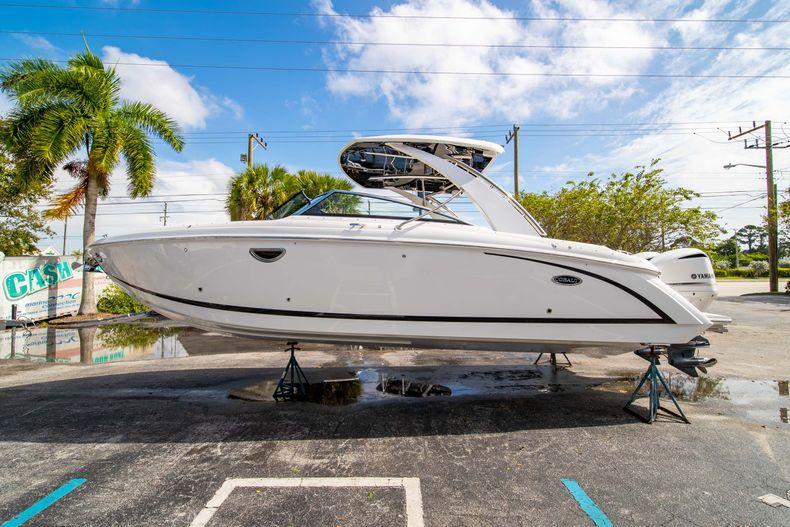 Thumbnail 9 for New 2021 Cobalt 30SC boat for sale in Vero Beach, FL