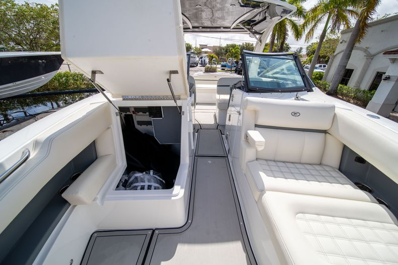 Thumbnail 56 for New 2021 Cobalt 30SC boat for sale in West Palm Beach, FL
