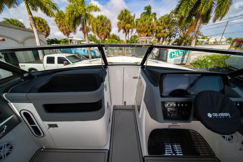 Thumbnail 46 for New 2021 Cobalt 30SC boat for sale in Vero Beach, FL