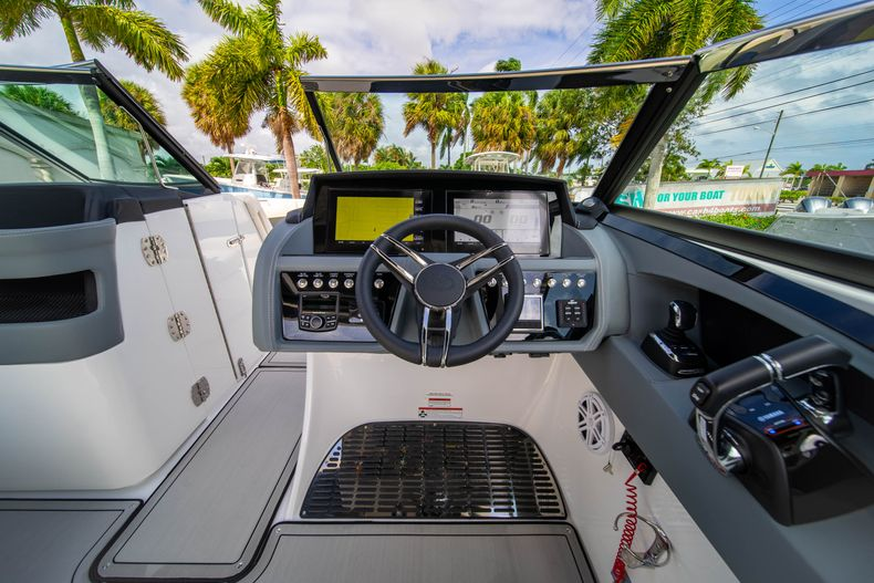 Thumbnail 30 for New 2021 Cobalt 30SC boat for sale in West Palm Beach, FL