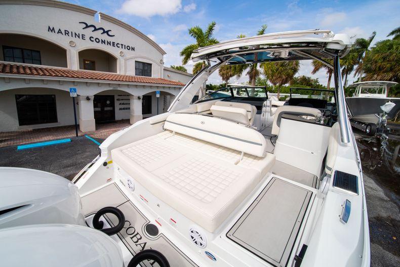Thumbnail 17 for New 2021 Cobalt 30SC boat for sale in Vero Beach, FL