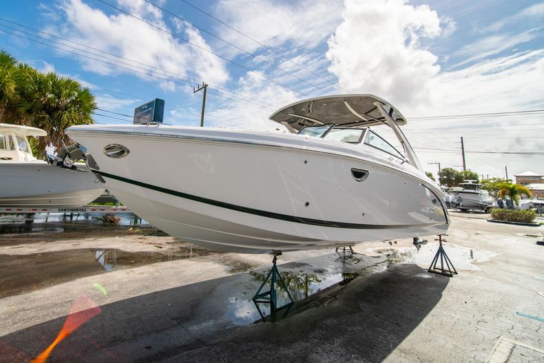 Thumbnail 7 for New 2021 Cobalt 30SC boat for sale in West Palm Beach, FL