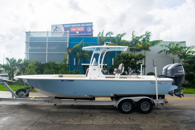 Thumbnail 4 for Used 2018 Tidewater 2700 Carolina Bay boat for sale in Miami, FL