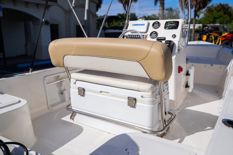 Thumbnail 17 for Used 2016 Key West 1720 Sportsman CC boat for sale in West Palm Beach, FL