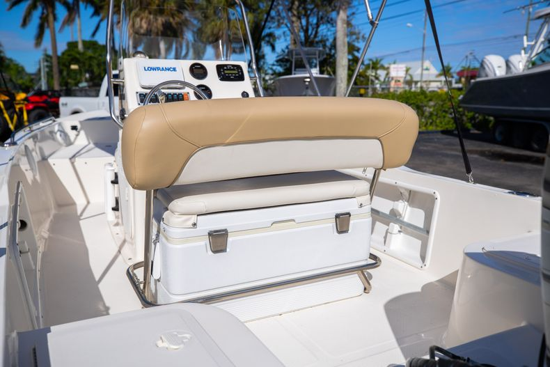 Thumbnail 18 for Used 2016 Key West 1720 Sportsman CC boat for sale in West Palm Beach, FL