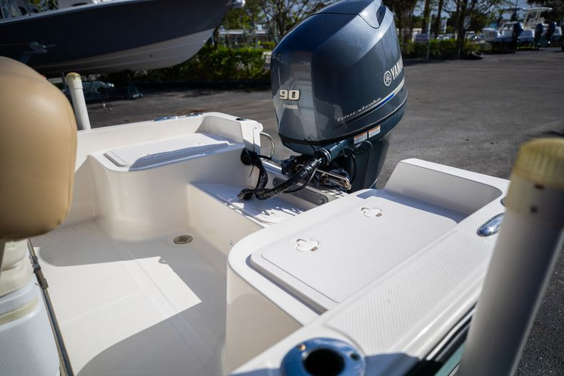 Thumbnail 14 for Used 2016 Key West 1720 Sportsman CC boat for sale in West Palm Beach, FL