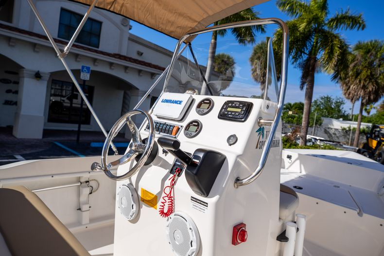 Thumbnail 20 for Used 2016 Key West 1720 Sportsman CC boat for sale in West Palm Beach, FL