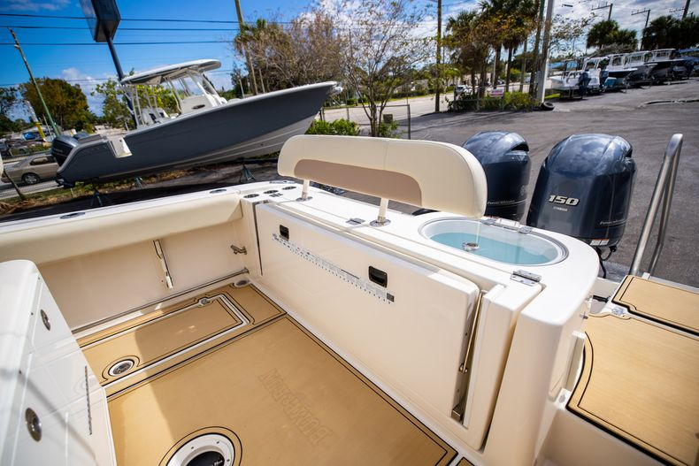 Image 11 for 2016 Cobia 261 Center Console in West Palm Beach, FL