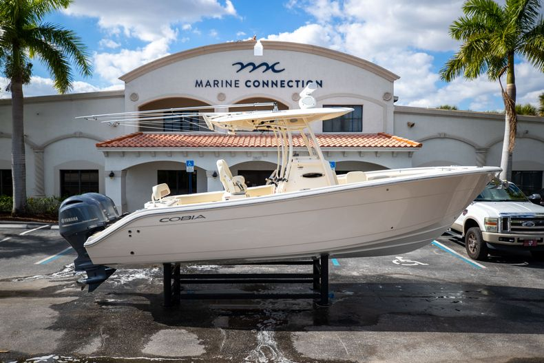 Image 0 for 2016 Cobia 261 Center Console in West Palm Beach, FL