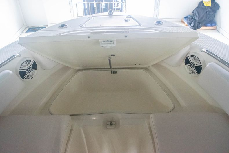 Thumbnail 34 for Used 2017 Robalo R207 Dual Console boat for sale in Miami, FL