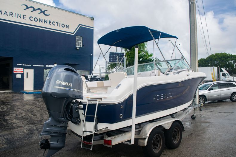Thumbnail 7 for Used 2017 Robalo R207 Dual Console boat for sale in Miami, FL