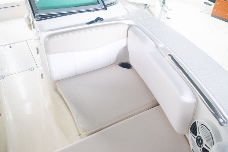 Thumbnail 30 for Used 2017 Robalo R207 Dual Console boat for sale in Miami, FL